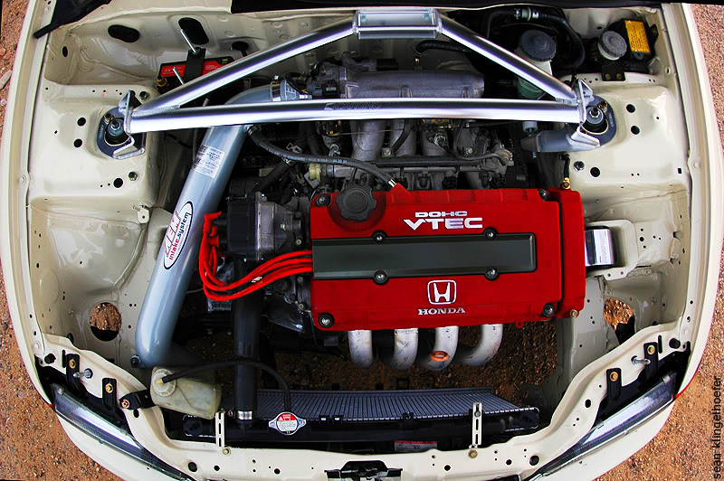 licence to speed for malaysian automotive clean engine bays wire tuck v8 other mods to pimp out your engine bay usually include chrome parts, or sleeves there is another way wire tucking is one of