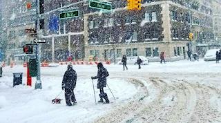 Μισό μέτρο χιόνι στη Νέα Υόρκη: Βγήκαν με σκι στο Μανχάταν!