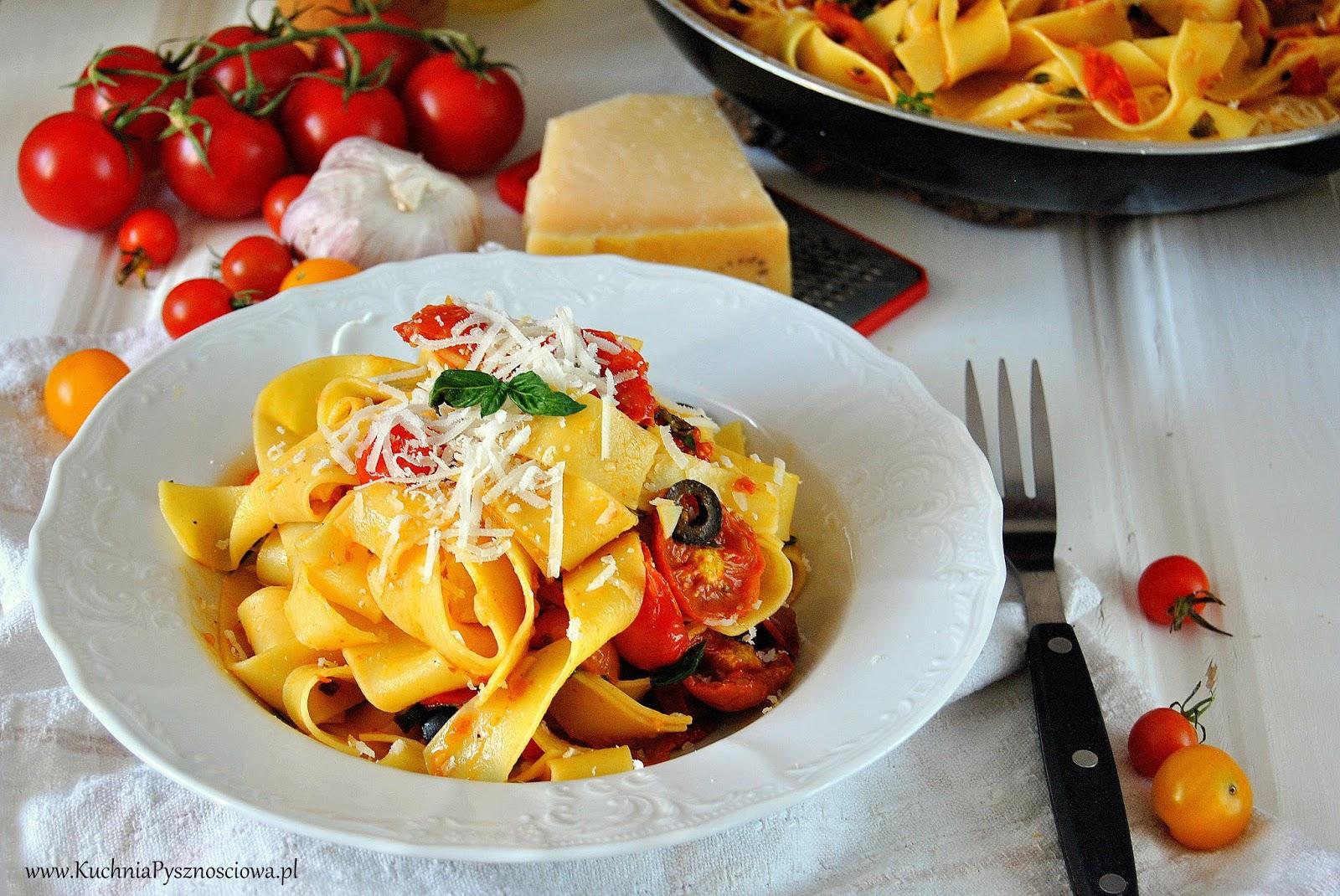 633. Prosty makaron z pieczonymi pomidorami