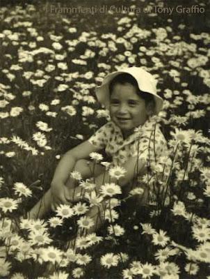 Tomaso Kemeny bambino nel 1942 sulle colline di Buda.
