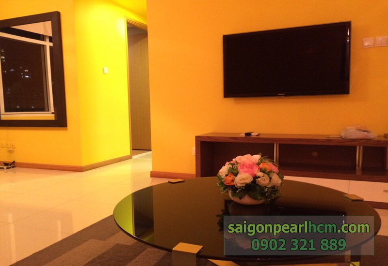 Cho thuê căn hộ Quận Bình Thạnh Saigon Pearl - tivi phòng khách