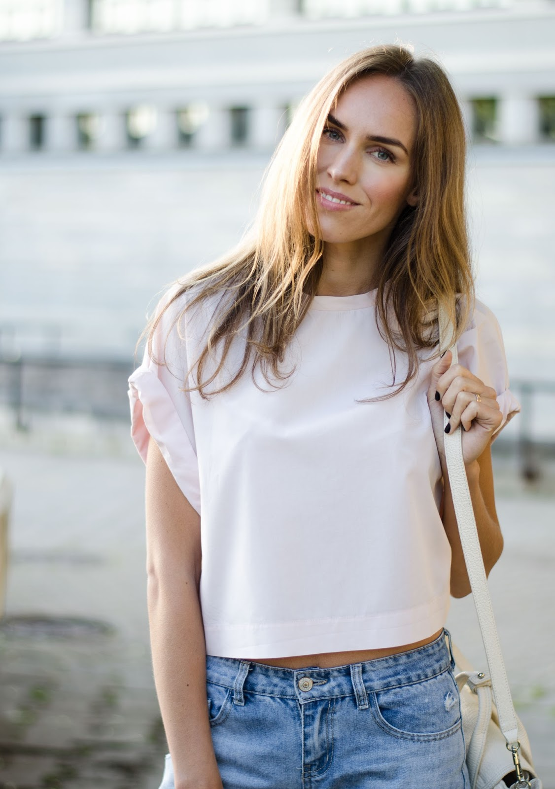 kristjaana mere light pink oversized crop top