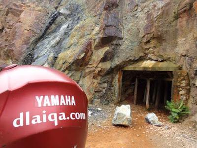 pintu masuk ke terowongan fuk salu
