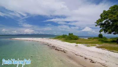 pantai-tanjung-pasir-pulau-moyo
