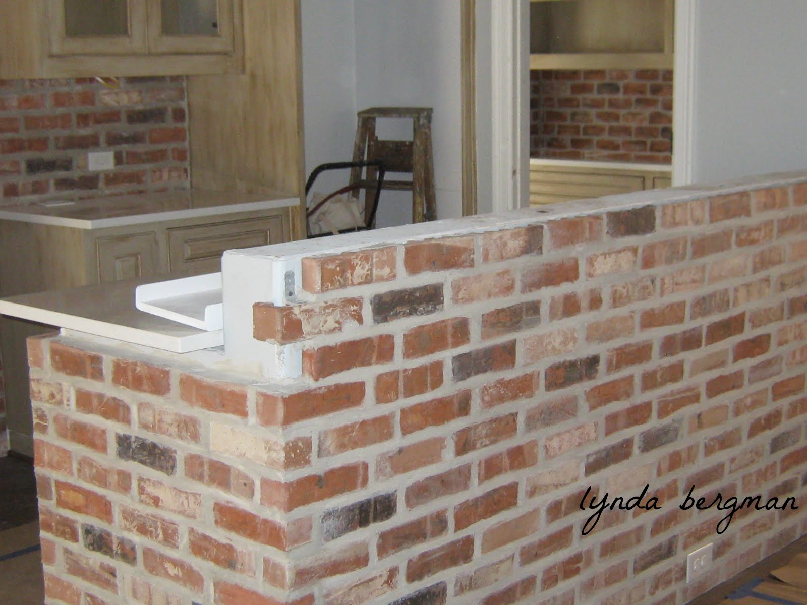 DRAWING & PAINTING FAUX BRICKS (TROMPE L'OEIL) & TUTORIAL
