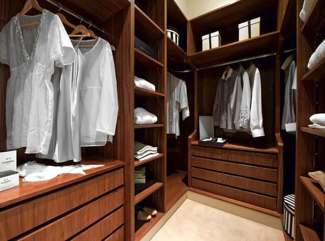 غرفة ملابس