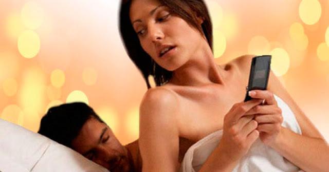 Mujeres que revisan el celular de su pareja podrían ir a prisión