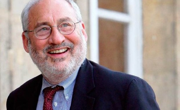 Stiglitz: Η Ιταλία θα μπορούσε να διαλύσει την ευρωζώνη