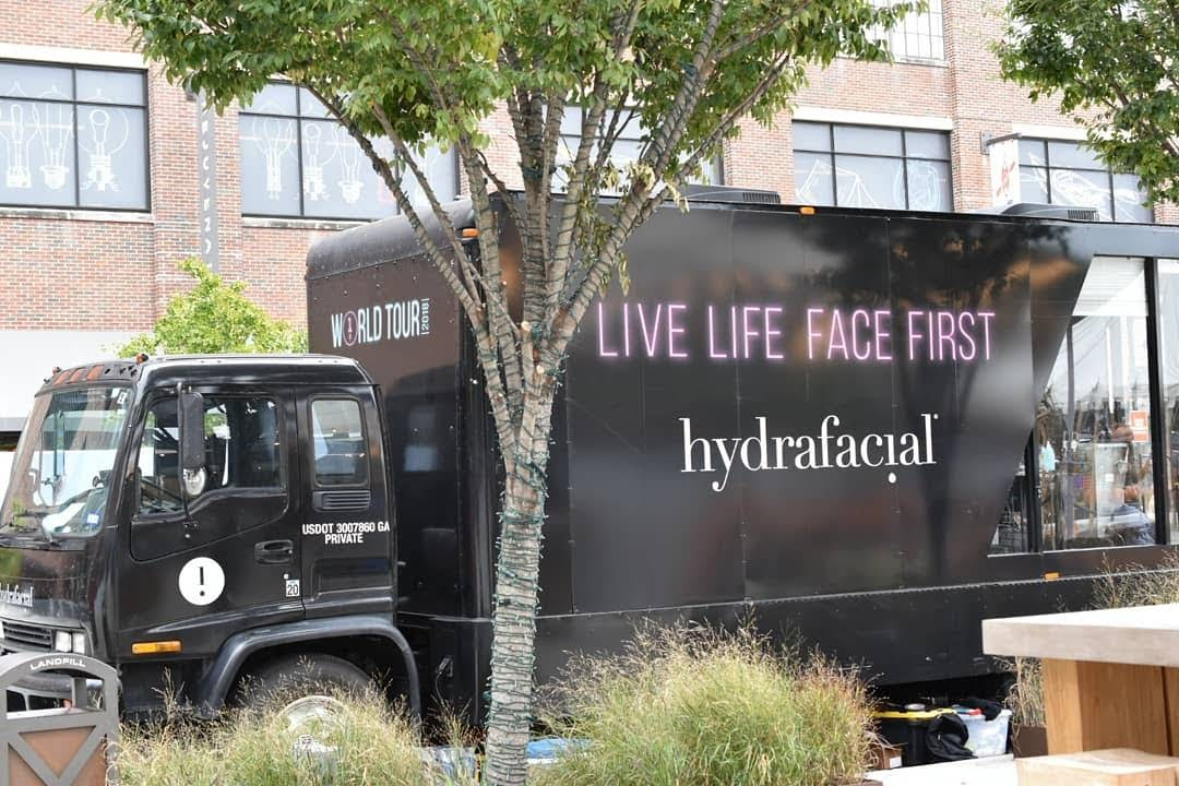 HydraFacial Helped Me Go Bare Face Without Makeup  via  www.productreviewmom.com