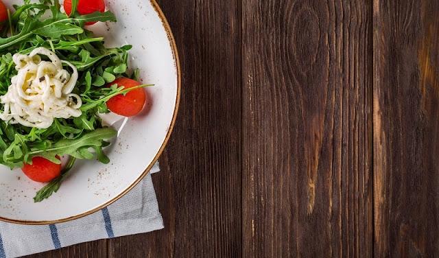 Diet dengan salad