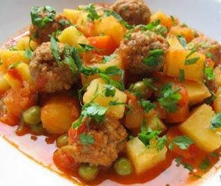 Sweet Peas with Meatballs (Kofteli Bezelye)