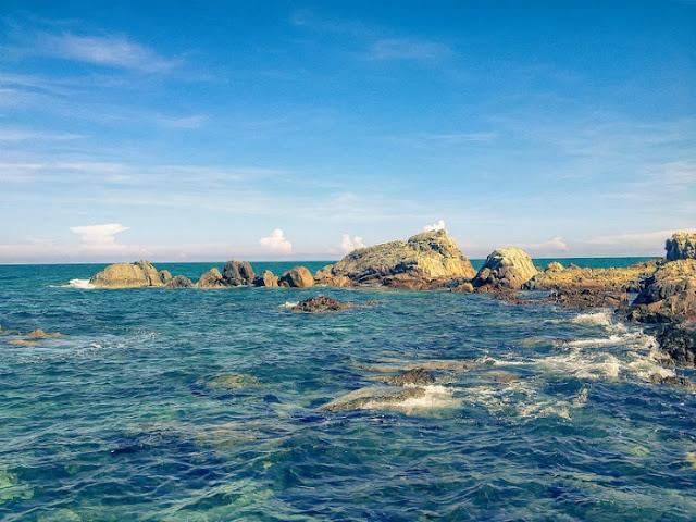Bãi đá Hòn Rơm | Du lịch Viettrip