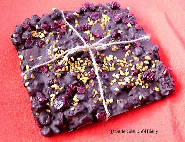 Chocolat noir façon rocky road cranberry-pistache