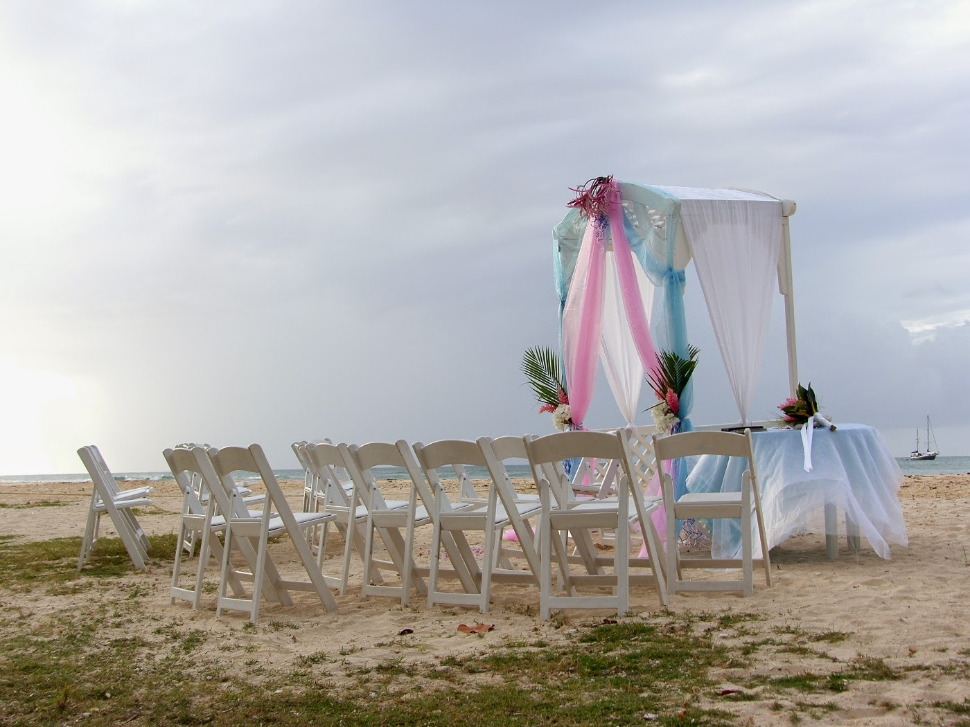 5 Ideas For A Great Beach Themed Wedding In Puglia: Destination Beach Wedding Ideas