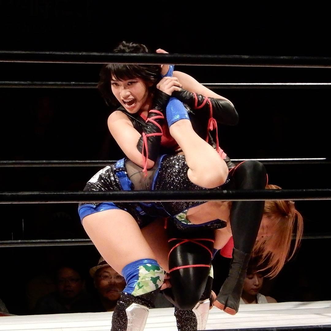 Womens lesbian wrestling in japan — pic 2
