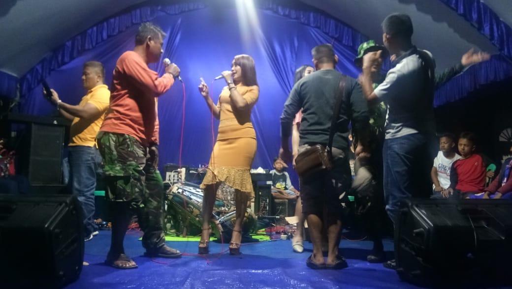 Wujud Syukur Warga, Hiburan Dangdut Bagi Satgas TMMD