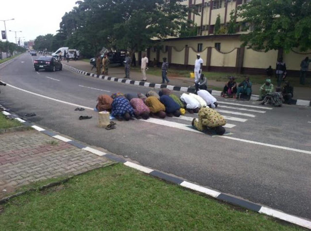 Protesting Lagos Ex-Councillors, Supervisors Turn Alausa Road To Praying Ground .