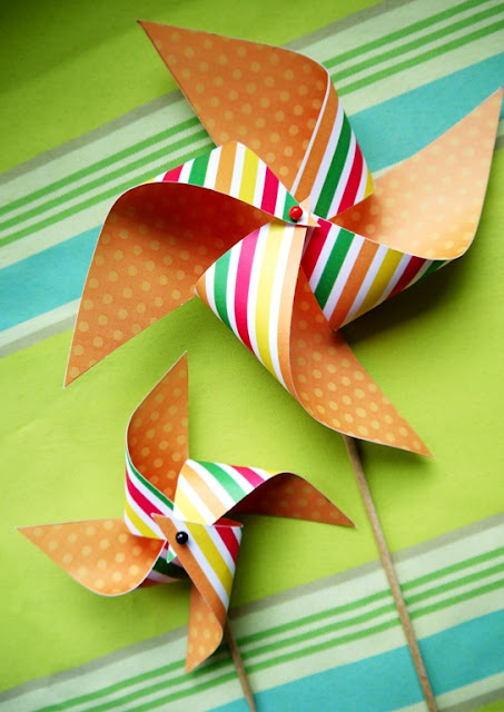 How to Make a DIY Paper Pinwheel Cupcake Topper