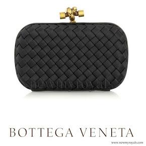 Princess Madeleine style bottega veneta-clutch