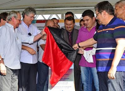 timthumb%2B%25282%2529 Célio Barbosa inaugura rodovia ao lado de Ricardo Coutinho e Adriano Galdino