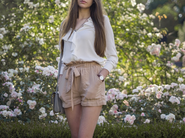 241. Stylizacja: szorty i biała koszula