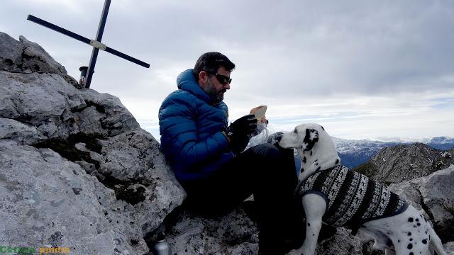 En la cima de Peña Blanca en la Sierra del Cuera