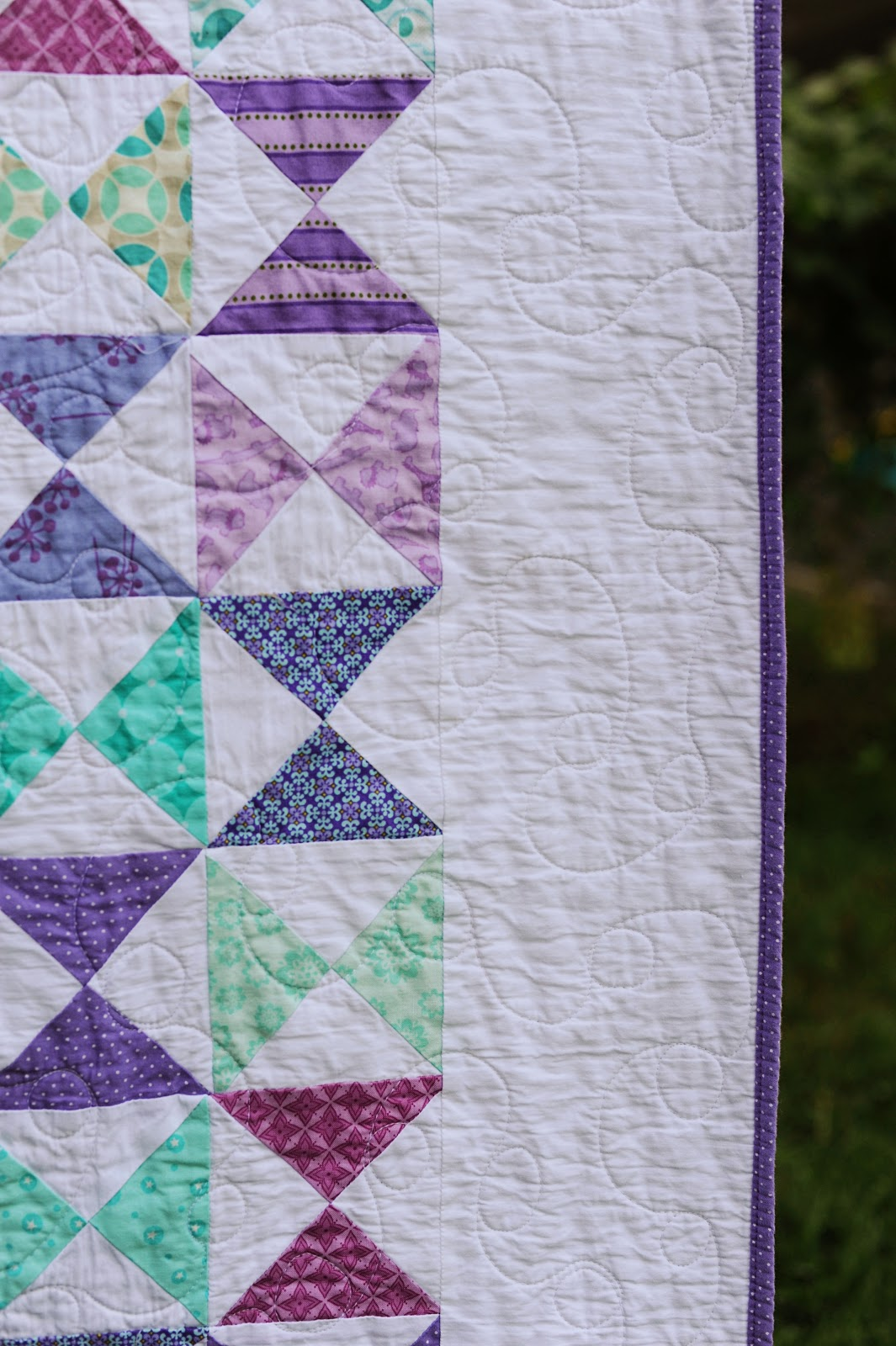 Scrappy Threads Bloggers Quilt Festival Two Color Quilt