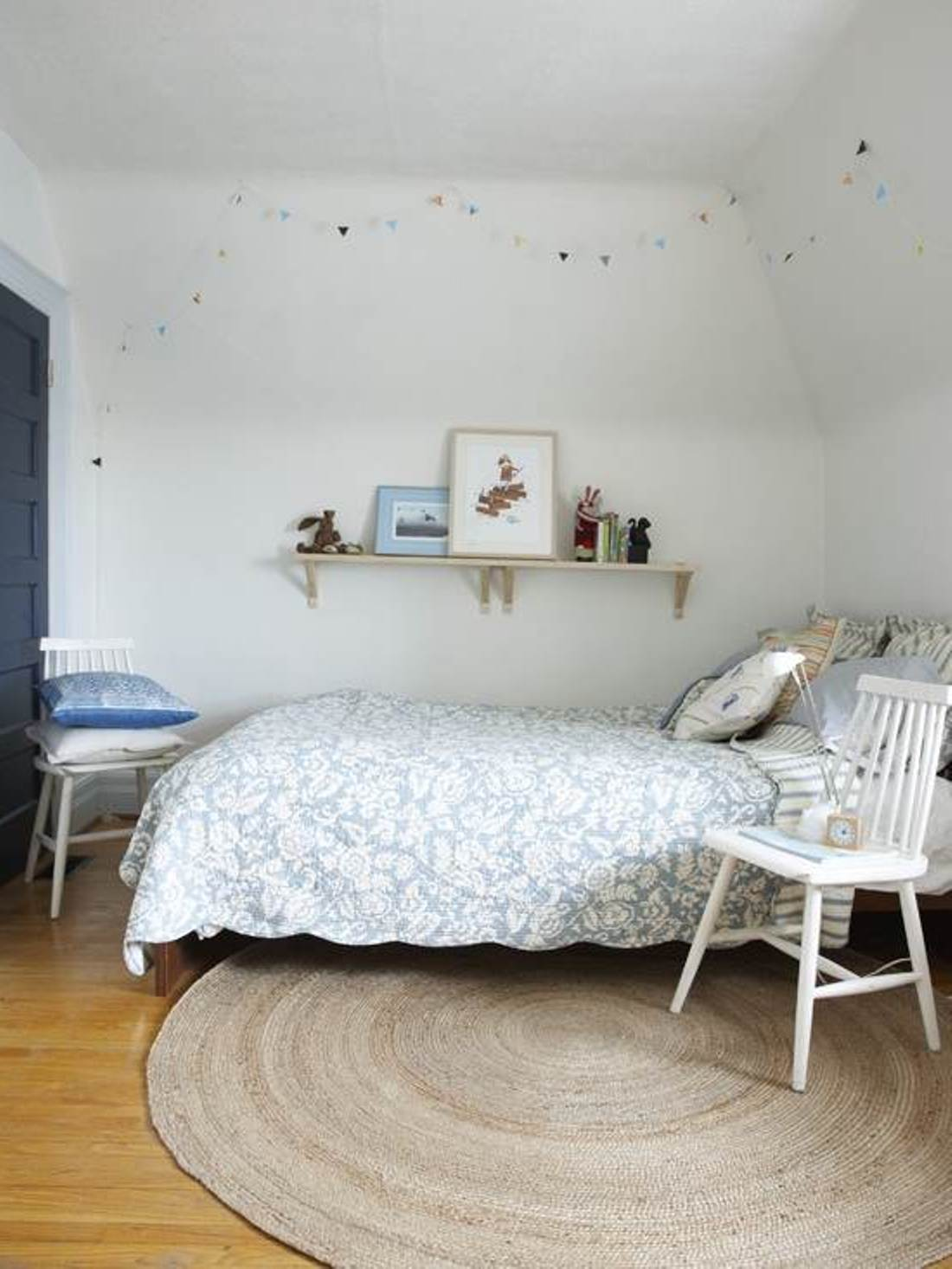 How To Decorate Your Bedroom On A Budget Ways To Decorate Your Bedroom