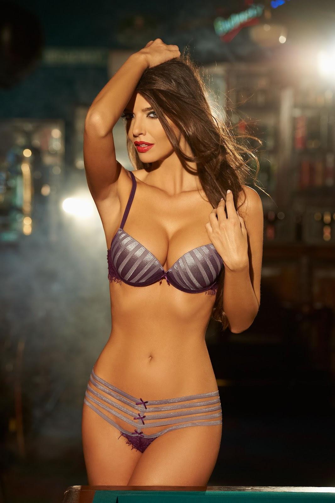 Model Photos Ellipse Lingerie