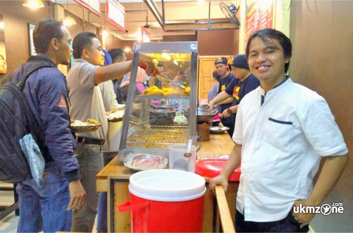 Ubay Bin Saleh pengelola Ayam Geprek Juara Kukusan Beji - Depok | UKM Zone