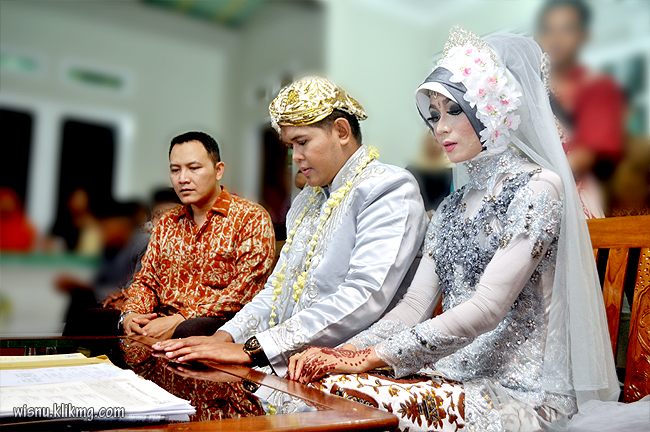 Foto Sesi Akad Nikah Wedding Tyas & Joko || Photographer & Editing By : Wisnu Darmawan ( Klikmg ) Fotografer Purwokerto & Indonesia