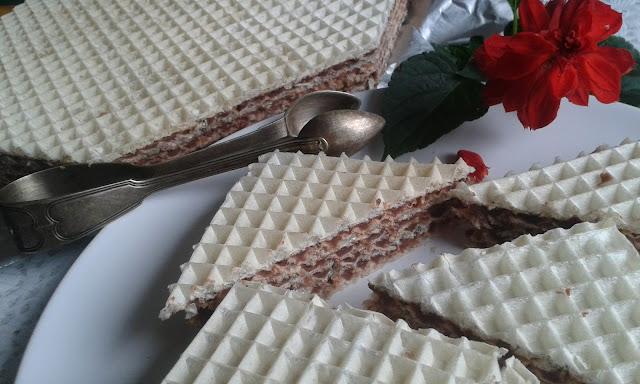 Wafel z masą kakaową