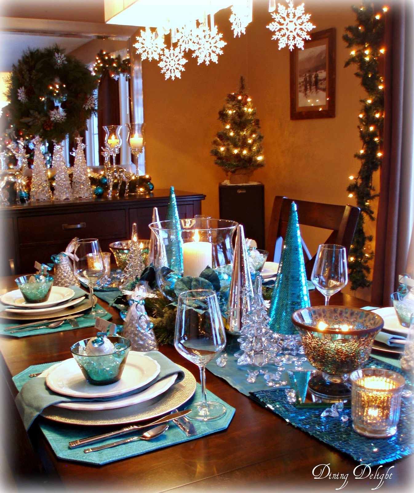 Dining Delight Christmas In Teal Blue