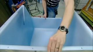 пластиковый бункер льдогенератора - сборка