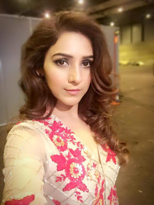 Neeti Mohan Wiki Biography,Age, Wallpaper,Personal Profile,Tv Serial,Indian Hottie