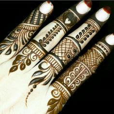 Mehndi designs in fingers
