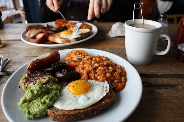 https://4.bp.blogspot.com/-3H9Vv7StIj8/WN0GM2mebUI/AAAAAAAAGII/jdhQEwi9ac82QlY5YurDFQbhzHwoof_JQCLcB/s640/1024px-Pavilion_cafe_breakfast.jpg