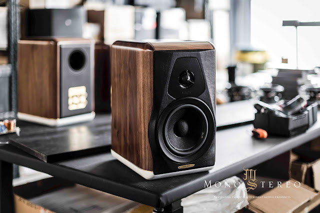 Mono and Stereo High-End Audio Magazine: Sonus faber Electa