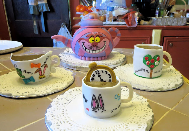 Alice in Wonderland Themed Teacup Cupcakes & Cheshire Cat Teapot Cake 2
