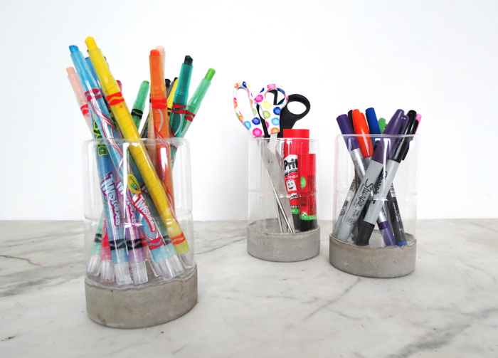 Make a pencil holder from a tuna can and a plastic bottle - Ohoh Blog
