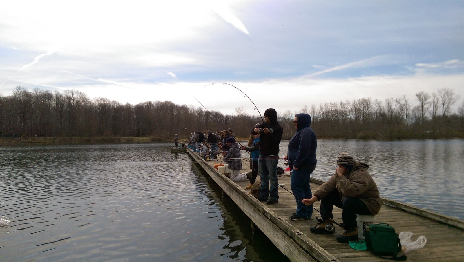 Lake metroparks fishing report the veteran 39 s park trout for Odnr fishing license