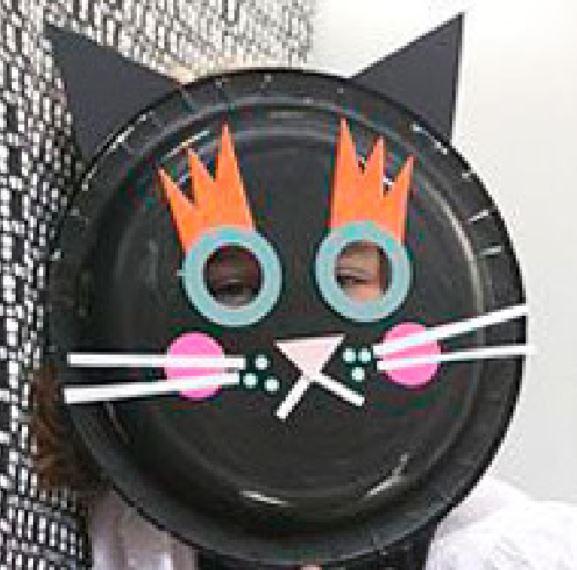 mascara de gato hecho con plato