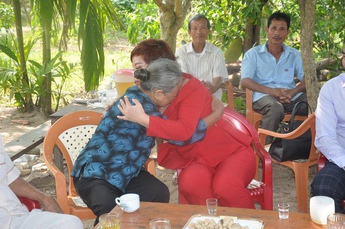 Người đàn bà cứu 34 nạn nhân chìm đò hồ Sông Rác được giúp trả hết nợ