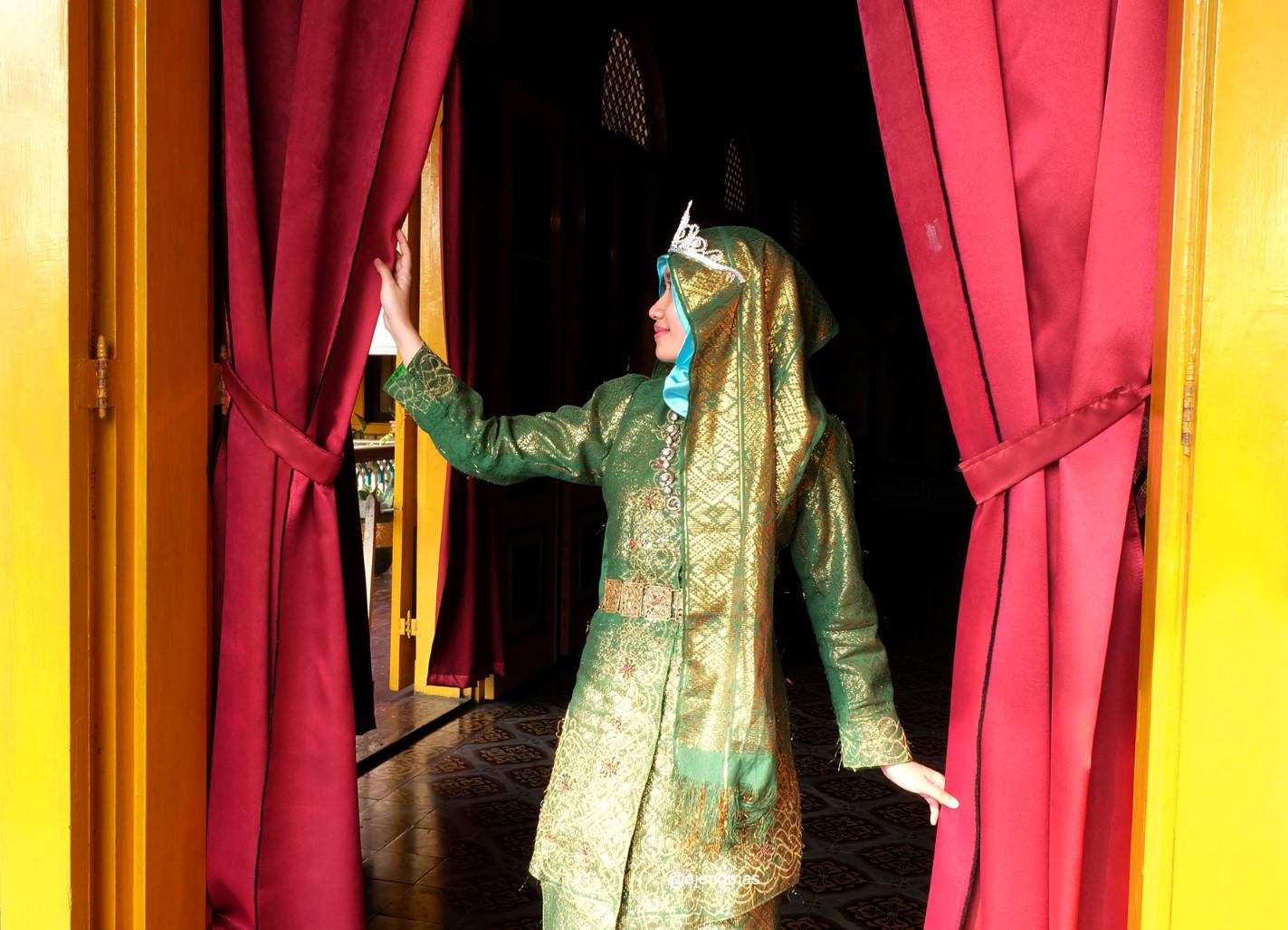 istana-maimun-legenda-putri-hijau-meriam-puntung-pecah
