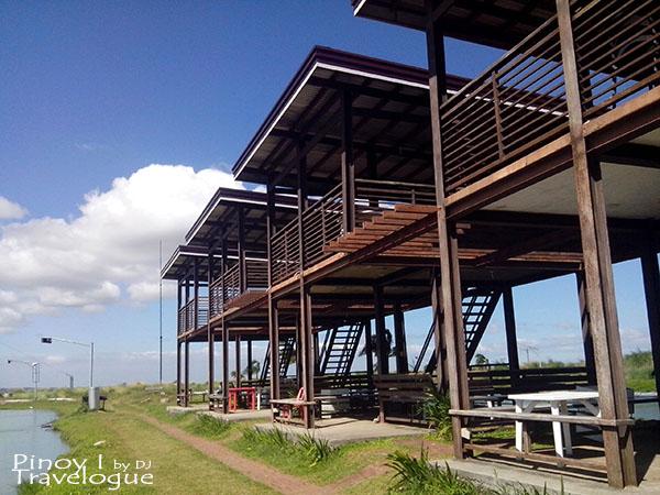 View decks in Republic Wakepark