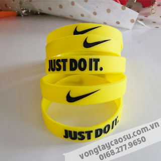 Vòng tay cao su thể thao Nike