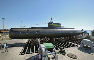 Iran unveils new domestically produced 'Fateh' submarine