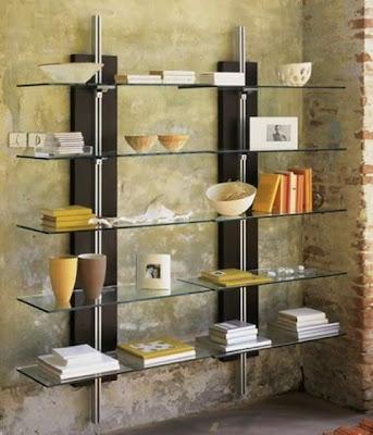 librero con cristal y madera