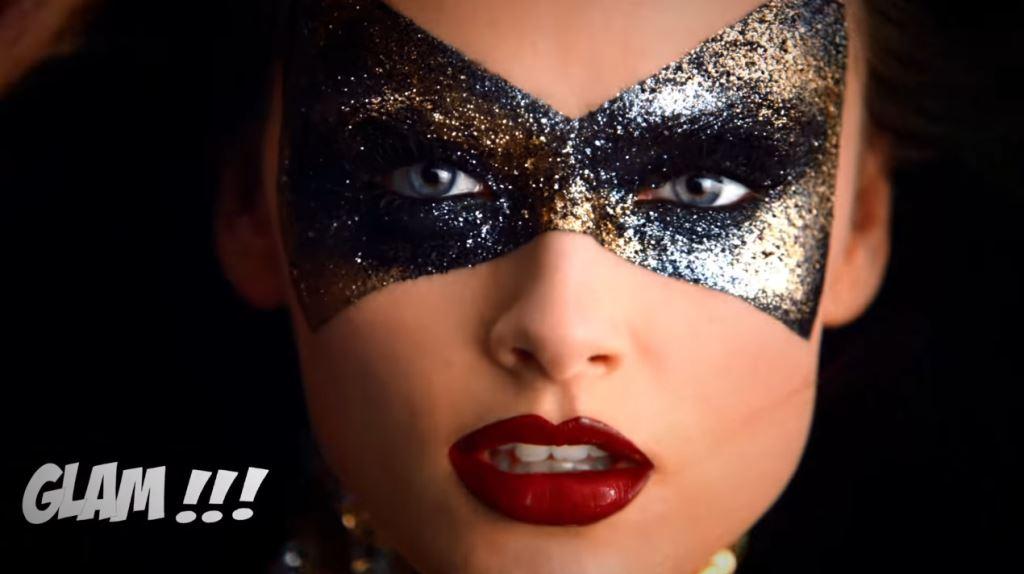 Pubblicità Sephora con modella Wonder Woman stile eroina - Foto testimonial, Natale 2016