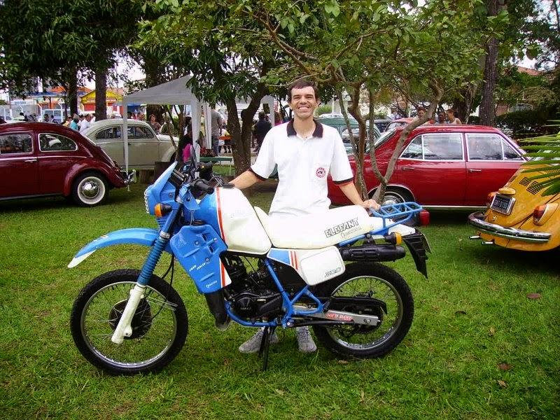 Orgulhoso Giancarlo ao lado da agrale Dakar. Paixão verdadeira! e8806919d1cef